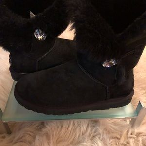 Uggs✨BAILEY Button Bling boot